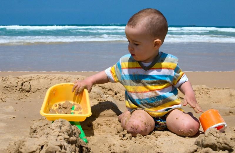 Tænk praktisk når du pakker til sommerens ture med din baby